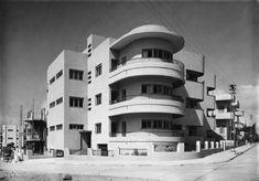 Social Construction: Modern Architecture in British Mandate Palestine,65 Hovevei Zion Street, Tel AvivJaffa, 1935, Architect: Pinchas Hütt. Image © Itzhak Kalter #modernarchitectureschool