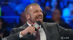 Backstage Note on Reigns vs. Bryan at Fast Lane, Triple H Sending Title Belt to Patriots - http://www.wrestlesite.com/wwe/backstage-note-reigns-vs-bryan-fast-lane-triple-h-sending-title-belt-patriots/