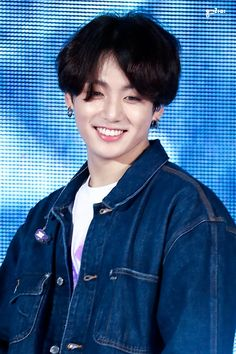 Mommy loves this bunny smile so much! Foto Jungkook, Jungkook Cute, Kookie Bts, Jungkook Oppa, Foto Bts, Bts Photo, Bts Bangtan Boy, Jungkook Smile, Jung Kook