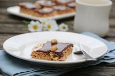 ENKEL SNICKERSKAKE Baked Goods, Nom Nom, Vegetarian Recipes, French Toast, Low Carb, Pie, Pudding, Favorite Recipes, Sweets