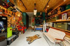 Garage Interior, Apartment Interior, Industrial Cafe, Cafe Style, Bushcraft, New Homes, Camping, Interior Design, Room