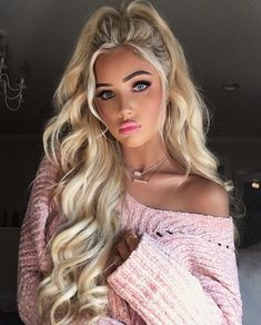 Image shared by ᴹᴼᴼᴺ s͙h͙i͙n͙e͙. Find images and videos about pink, blonde and barbie girl on We Heart It - the app to get lost in what you love. Gorgeous Hair, Beautiful Eyes, Gorgeous Women, Blonde Beauty, Blonde Hair, Hair Beauty, Honey Blond, Pretty Face, Hair Inspiration