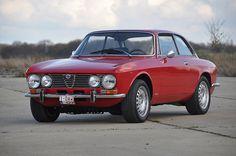 Alfa Romeo GTV 2000. Skemmtilegasti bíll sem ég hef átt. Þarf e.t.v. að eignast einn aftur.