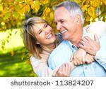 http://pixabay.com/pt/casal-rindo-feliz-pessoas-juntos-598315/