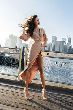 Безупречные вечерние платья Александра Терехова и Анны Литвиновой | Мода | Новости | VOGUE