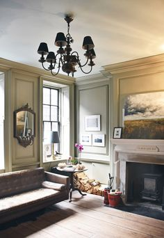 Like the deep windows with 12 inch panel trim; perhaps we can add some small secret hiding spots here. Townhouse Interior, Georgian Townhouse, London Townhouse, Georgian Homes, Georgian Interiors, White Interiors, Cottage Interiors, Beautiful Interiors, Built In Seating