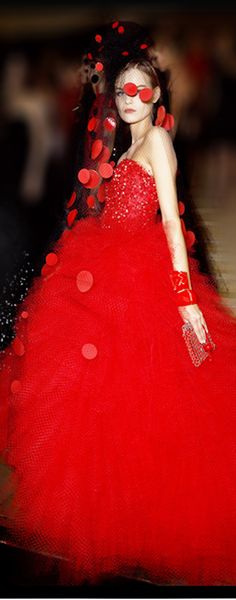 Giorgio Armani Privé ● Haute Couture FW 2014-15-- I wouldn't have added that veil thingy- reminds me of the Queen of Hearts from Alice in Wonderland