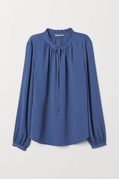 Blouse with a frilled collar - Dusky blue - Ladies | H&M US 1