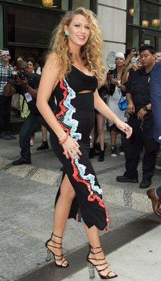 Blake Lively in Versace promotes her new film 'The Shallows' in NYC. #bestdressed