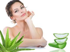 Aloe Vera acts as a magical herb in terms of skin care. You can use Aloe Vera in natural form of juice and gel. It has many benefits related to skin care.Aloe Vera is one of the plants that would be ideal for maintaining your beauty. Best Beauty Tips, Beauty Hacks, Beauty Secrets, Beauty Care, Diy Beauty, Aloe Vera Maske, Aloe Vera Piel, Aloe Vera For Face, Puffy Eyes