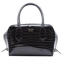 Sac Prada Inside Bag http://www.vogue.fr/mode/shopping/diaporama/la-liste-de-cadeaux-de-noel-de-suzanne-koller/24463#sac-prada-inside-bag