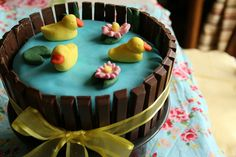 Create with your hands: Duck Pond Kit-Kat Birthday Cake