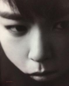 . ひーーーーぃ❤️❤️❤️ 大好きやん❤️❤️ . .  BIGBANG THE COLLECTION:A TO Z photobook .  탑  사랑이 @choi_seung_hyun_tttop  #TOP #탑 #tabi #최승현 #BIGBANG #빅뱅 #choi_seung_hyun_tttop #choiseunghyun #tttop #あかんやつシリーズ  #my僕ちゃん #dope #ハート泥棒  #ドキドキが止まらない  #GD #SOL #DLITE #VI  #GDTOP #GTOP