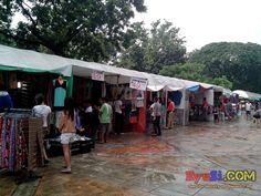 QC Memorial Circle Tiangge Bazaar Commonwealth Ave side Photo 4