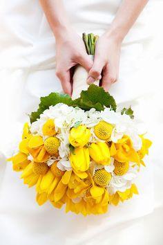 Brautstrauß aus Tulpen #wedding #tulips #weddingbouquet #yellow