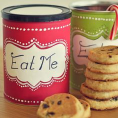 DIY Christmas Cookie Tins- makes the perfect gift! Use as packaging for any homemade food items.
