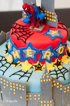 OOOHHHH Erin . . .can you make a cake like this one ???  its pretty cool