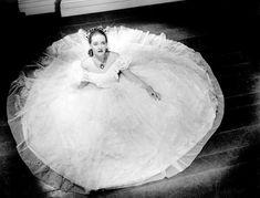 Bette Davis in Jezebel  (William Wyler, 1938) wearing a gown by Orry-Kelly
