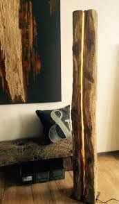 Floor lamp and stele 2 Lamp Design, Lighting Design, Led Band, Roof Trusses, Led Licht, Diy Home Crafts, Gold Leaf, Floor Lamp, Wood Projects