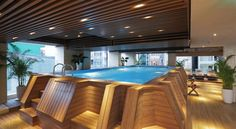 A comfortable and relaxing indoor swimming-pool in the heart of Ho Chi Minh city at the Harmony Saigon hotel.