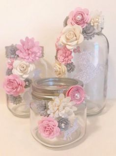 paper flower centerpieces Beautiful mason jars decorated with paper flowers. You can customize what color flowers you want. Great for centerpieces or gifts! Most popular for h Pot Mason Diy, Mason Jar Crafts, Bottle Crafts, Glitter Mason Jars, Crafts With Jars, Paper Flower Centerpieces, Paper Flowers Diy, Shower Centerpieces, Wedding Centerpieces