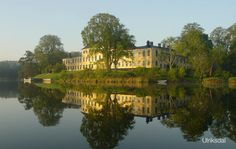 Ulriksdal Palace is situated on the banks of Edviken Lake in the National City Park in Stockholm.