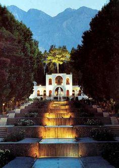 shahzadeh-gardens-mahan-kerman, iran @Tara Vatankhah bia baham berim inja to ra khodaaaaaaa.