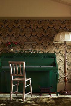 green piano and stag print wallpaper (The Interior | William Abranowicz) -★-