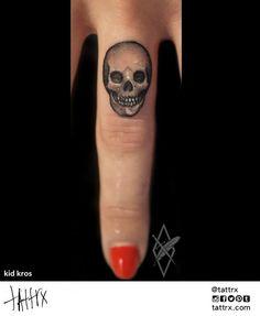 Kid-Крос татуировки | Сплит, Хорватия - Finger Череп | tattrx