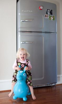 Big Chill's Original Size Retro Refrigerator has a stamped metal body, authentic chrome trim, pivoting handle, temperature management system and is energy efficient. Check out the photos and order yours today!