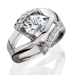 Aurum Design diamond engagement ring