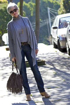 charming cardigans - style at a certain age, (plus a noticeable but unfussy bag. - Fi)