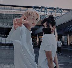 𝐣𝐤 𝐚𝐧𝐝 𝐥𝐬 🌿 ( fan account ) ( Kpop Couples, Anime Couples, Au Ideas, Bts Girl, Instagram White, Life Hacks For School, Fan Edits, Fake Photo, Creative Instagram Stories