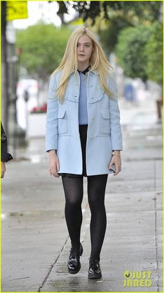 Elle Fanning: Milky Way Lunch!: Photo Elle Fanning looks lovely as she and some pals head to Milky Way restaurant for some lunch on Sunday afternoon (December in Los Angeles. The actress… Dakota And Elle Fanning, Blue Coats, Old Actress, Gorgeous Women, Style Guides, My Girl, Girl Fashion, Sexy Women, Street Style
