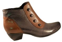 Leather ankle boots by Fidji shoes