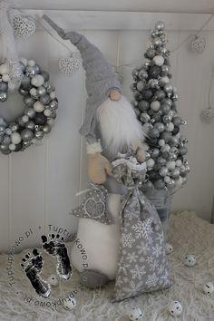 Шьем куколку Diana в одежде и с сумочкой Christmas Gnome, Christmas Sewing, Diy Christmas Gifts, Christmas Dec… Primitive Christmas, Christmas Gnome, Christmas Angels, Christmas Wreaths, Christmas Decorations, Holiday Decor, Christmas Fireplace, Etsy Christmas, Rustic Christmas