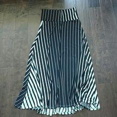 Maxi skirt Teal and black never been worn maxi skirt Skirts Maxi