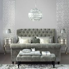 People who sleep in Silver bedrooms tend to get an average of 7 hrs 33 mins sleep per night.