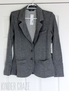 Dec fix? I really like the look of this blazer. I'd be perfect for clinic or just wearing about. Kaylie Solid French Terry Blazer from Stitch Fix Casual Blazer, Gray Blazer, Knit Blazer, New Wardrobe, Wardrobe Ideas, Stitch Fix Stylist, Distressed Jeans, Cute Outfits, Work Outfits