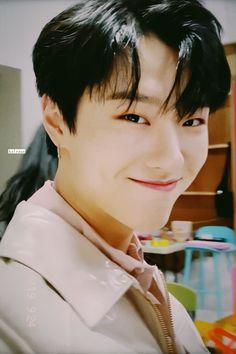 ❗ © in Fanfiction Korean Men, Korean Actors, K Pop, King Of My Heart, Yuehua Entertainment, Boyfriend Material, Love Of My Life, Pretty People, Seventeen