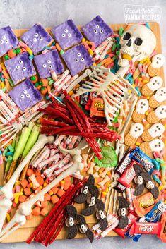 Halloween Desserts, Diy Halloween Decorations, Halloween Candy, Holidays Halloween, Halloween Kids, Happy Halloween, Halloween Baking, Halloween Goodies, Monster Treats