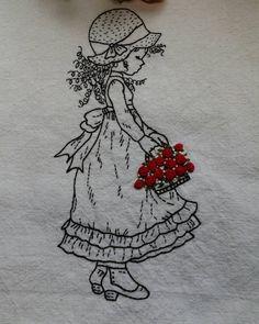 "62 Likes, 4 Comments - @jidong_yoon on Instagram: ""꽃바구니 든 소녀~~ #Illustration embroidery #일러스트자수 #일러스트 장미자수 #일러스트자수 액자"""