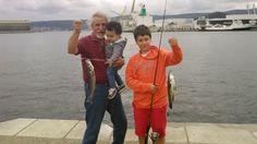 Día de pesca, disfrutando con el abuelo y el primo