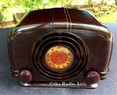 Radio Design, Old Stove, Ramen Bowl, Antique Radio, Machine Age, Record Players, Sewing Table, Art Deco Design, Jukebox