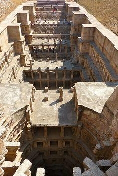 ARCHITECTURE – rani ki vav, queen's stepwell, in patan, gujarat, india declared world heritage site by unesco. Architecture Antique, Indian Architecture, Amazing Architecture, Water Architecture, Modern Architecture, Places Around The World, Around The Worlds, Places To Travel, Places To Visit