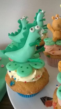 Cupcake Dino - Peppa Pig
