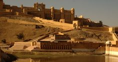 Book a #journey to the land of princes or #rajputs, covering the best of the #desert and culturally rich part of #rajasthan http://www.enticingtour.com/au/holiday/lively-rajasthan/