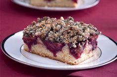 Švestkový koláč s makovou drobenkou