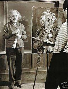 "Einstein and his therapist. ""Happiness in intelligent people is the rarest thing I know."" Einstein: ""Is it better to be happy or intelligent? Henri Matisse, Old Photos, Vintage Photos, E Mc2, People Of Interest, Charles Darwin, Einstein Quotes, Photos Of The Week, Albert Einstein"