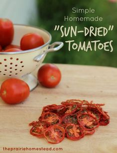 How to Dehydrate Tomatoes aka Easy Homemade Sun-Dried Tomatoes Veggie Recipes, Real Food Recipes, Healthy Recipes, Easy Recipes, Amazing Recipes, Diabetic Recipes, Grow Your Own Food, Food To Make, Dehydrated Food